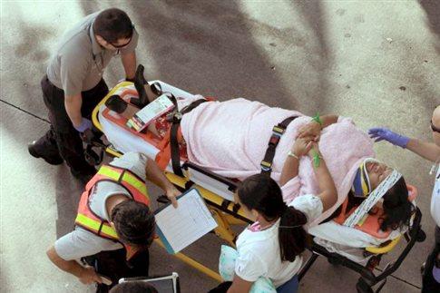 Ένας νεκρός από συντριβή λεωφορείου σε γέφυρα στο αεροδρόμιο του Μαϊάμι