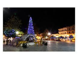 Ο Αλμυρός «ντύνεται»  στα Χριστουγεννιάτικα