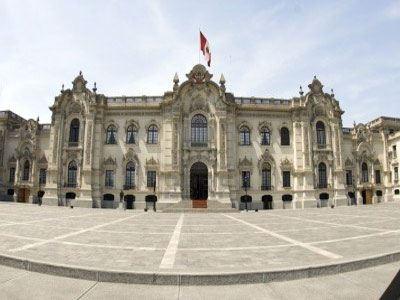 Παραιτήθηκε τελικά ο υπουργός Εργασίας του Περού