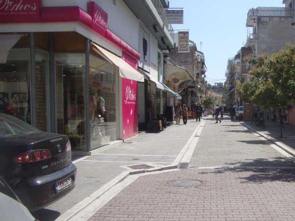 Τρίκαλα: Αντίθετοι οι Τρικαλινοί έμποροι στη λειτουργία τις Κυριακές