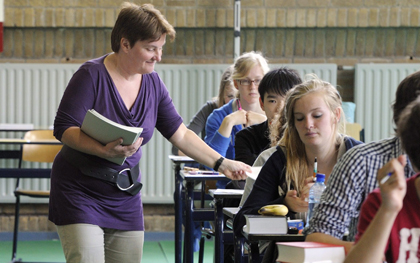 «Όχι» στην κάνναβη σε σχολεία και παιδικές χαρές λέει το Αμστερνταμ