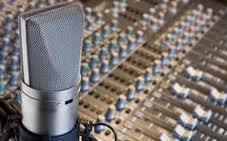 Τίτλοι τέλους στο Δημοτικό  Ραδιόφωνο Σκιάθου