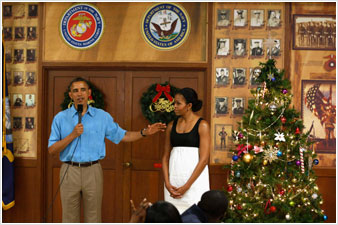 Διέκοψε τις διακοπές του ο Ομπάμα λόγω «δημοσιονομικού γκρεμού»