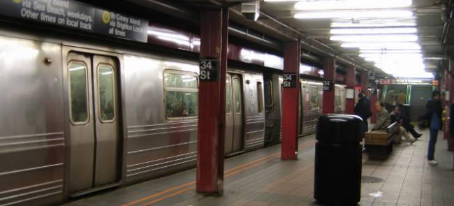 Γυναίκα σκότωσε περαστικό σπρώχνοντάς τον στις γραμμές του μετρό!