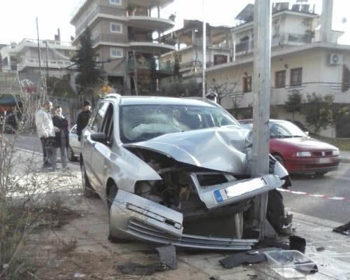 Αγρίνιο: Πήρε το αμάξι του πατέρα του και τράκαρε