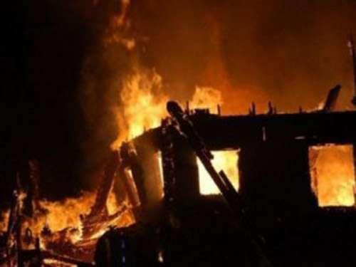 Στάχτη χαρτονομίσματα 15.000 ευρώ από πυρκαγιά σε κοντέινερ στα Τρίκαλα ...