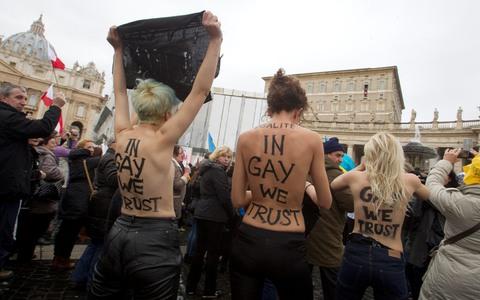 Γυμνόστηθες ακτιβίστριες στο Βατικανό