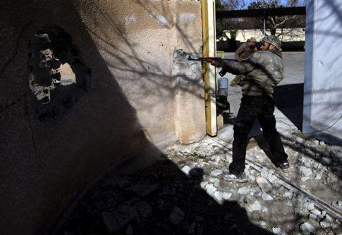 Αιματηρές βομβιστικές επιθέσεις με παγιδευμένα οχήματα στο Ιντλίμπ της Συρίας