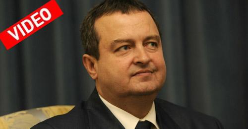 Κροάτισσα δημοσιογράφος-Σάρον Στόουν «ξεφτιλίζει» τον Σέρβο πρωθυπουργό
