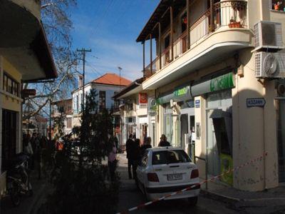 Τα ονόματα των τριών συλληφθέντων για τη ληστεία στο Βελβεντό