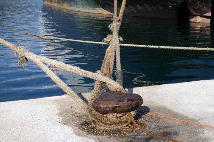 Δεμένα τα πλοία στο λιμάνι του Βόλου λόγω απεργίας ΠΝΟ