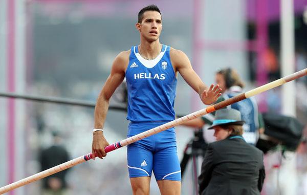Πανελλήνιο  ρεκόρ  5.83 μ.  ο Κ. Φιλιππίδης