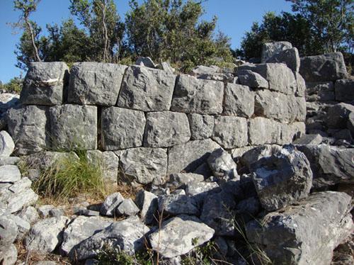Αγνωστες αρχαιολογικές θέσεις στο φως
