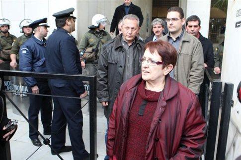 Ο Αλ. Τσίπρας θέλει να πάρει το ρόλο του ΠΑΣΟΚ, λέει η Παπαρήγα