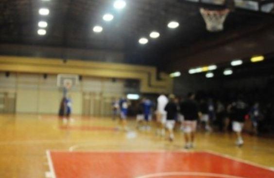 «Ξύλο» σε σχολικό αγώνα μπάσκετ στη Λάρισα