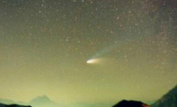 Κομήτης «φωτίζει» απόψε την Ελλάδα
