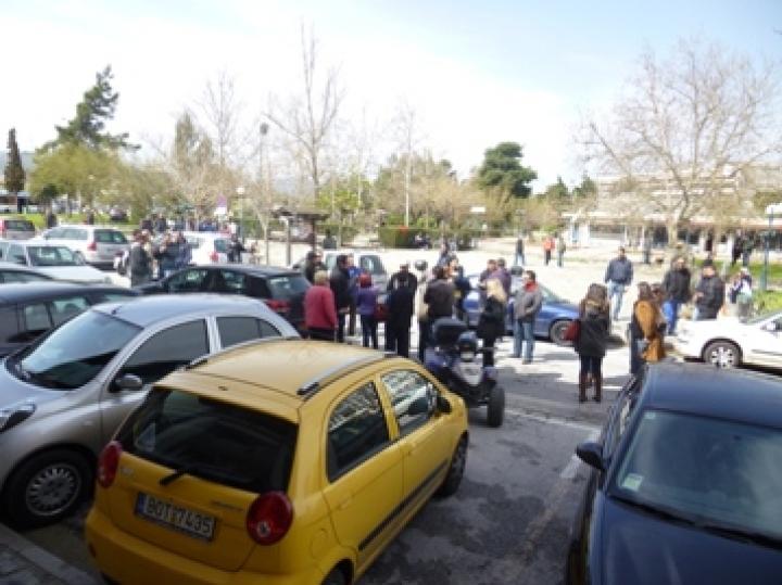 Παρέμβαση του δημάρχου ζήτησαν οι πενταμηνίτες