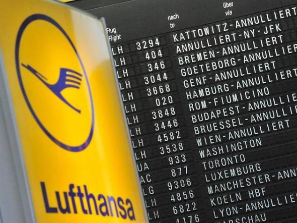 Ακυρώθηκαν 700 πτήσεις