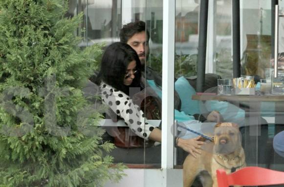 Ελένη Φουρέιρα: Zουζουνιές και αγκαλιές με το σύντροφο της, στη Γλυφάδα!