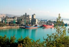 Κλείνει το εργοστάσιο τσιμέντου της Χαλκίδας