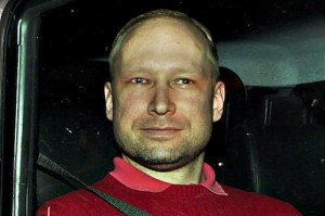 Νορβηγία: Δεν θα παρευρεθεί στην κηδεία της μητέρας του ο Μπρέιβικ