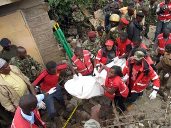 15 νεκροί από κατάρρευση κτιρίου