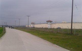 Τρίκαλα: Χτύπησαν τις φυλακές με οπλοπολυβόλο