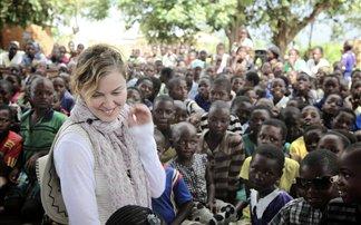 Πώς η Μαντόνα κατάφερε να εξοργίσει το Μαλάουι