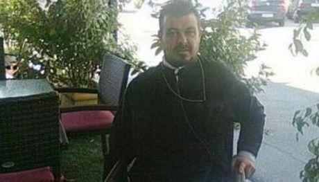 Πατήρ Χριστόφιλος: Στο facebook και ας με φτάσουν στην ηλεκτρική καρέκλα