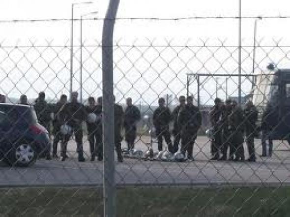 Μαχαίρια, λάμες και κινητά στις φυλακές Νιγρίτας