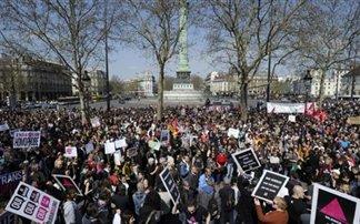 Διαδηλώσεις στο Παρίσι για το γάμο των ομοφυλόφιλων ζευγαριών