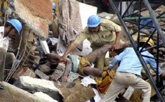 Τουλάχιστον 82 νεκροί από την κατάρρευση κτιρίου στο Μπανγκλαντές