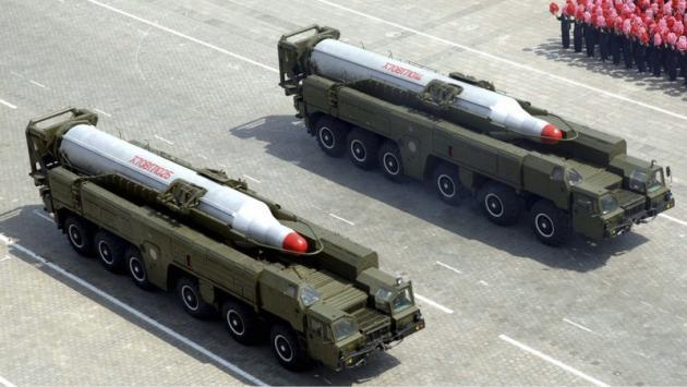 Η Βόρεια Κορέα μετακίνησε δύο πυραύλους