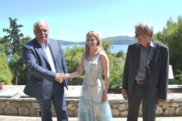 Στον Σκορπιό ο νέος ιδιοκτήτης του νησιού Ντιμίτρι Ριμπολόβλεφ με την κόρη του!