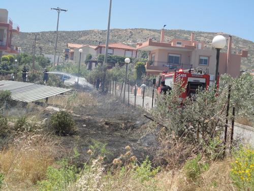 Μπαράζ πυρκαγιών στο Βόλο