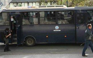 Κλούβα των ΜΑΤ τραυμάτισε τρία μικρά παιδιά και τη μητέρα τους