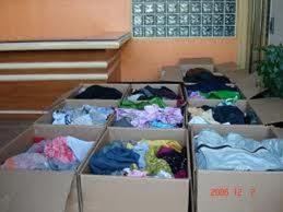 Ρούχα για απόρους από τον Ερυθρό Σταυρό