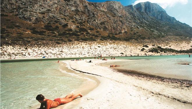 Τέσσερις ελληνικές παραλίες στις 100 καλύτερες του κόσμου, σύμφωνα με το CNN