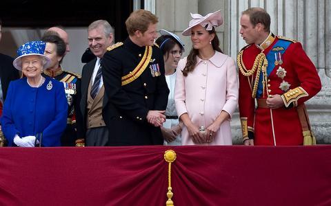 Ετοιμοι να ξοδέψουν 285 εκατ. ευρώ οι Βρετανοί για... το βασιλικό μωρό
