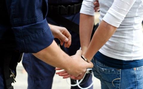 Σε 25ετή κάθειρξη καταδικάστηκε προϊσταμένη τράπεζας στην Λάρισα