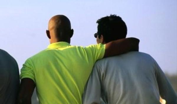 Ρωσία: Απαγορεύονται με νόμο οι υιοθεσίες παιδιών από ξένα ζευγάρια ομοφυλοφίλων