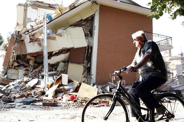 Νέος σεισμός με επίκεντρο την Τοσκάνη φοβίζει τους Ιταλούς