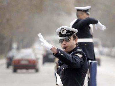 Οδηγός γρονθοκόπησε αστυνομικό