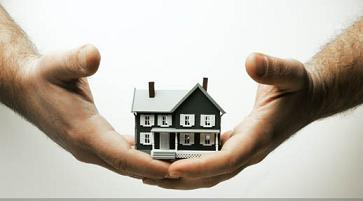 Οι δανειολήπτες μπορούν να επιλέγουν που θα ασφαλίσουν τα ακίνητα τους.