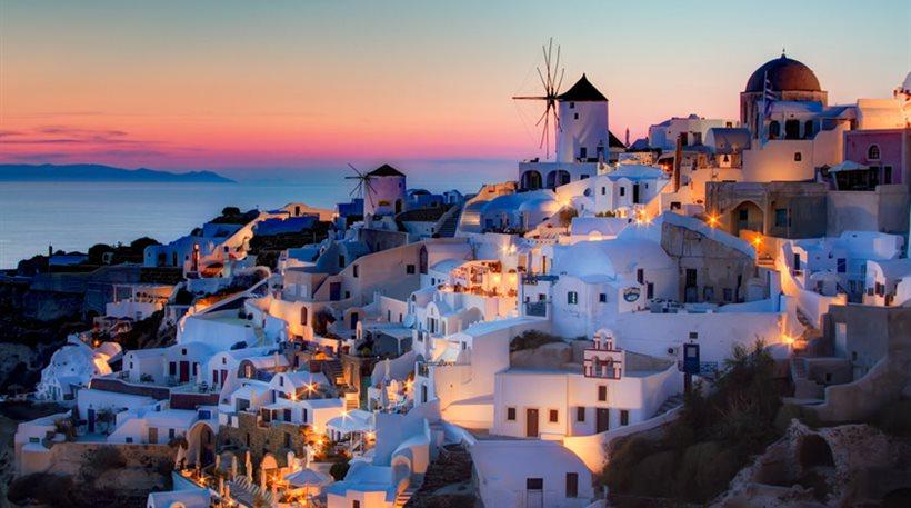 Δημοφιλέστερος προορισμός της Μεσογείου η Σαντορίνη