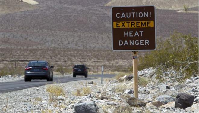 Φονική ζέστη: στους 54 βαθμούς Κελσίου το θερμόμετρο στην Κοιλάδα του Θανάτου