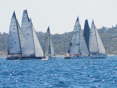 Πάνω από 2.500 σκάφη στα νησιά