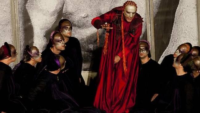 «Μήδεια» του Ευριπίδη ~ Θεατρική παράσταση