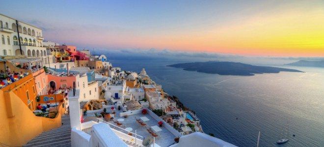 Η Σαντορίνη στην 4η θέση των δέκα καλύτερων νησιών του κόσμου σύμφωνα με το Travel& Leisure