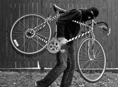 Πιάστηκε στα «πράσα» να κλέβει ποδήλατο 64χρονος στις Μηλιές